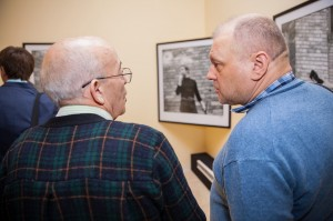 Владимир Шехтман и Сергей Жильцов во время предварительного просмотра экспозиции