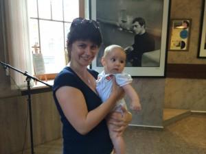 Ева (на руках у мамы Леси) - самый юный посетитель нашей Галереи