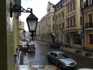 Улица Воздвиженская: летний дождь