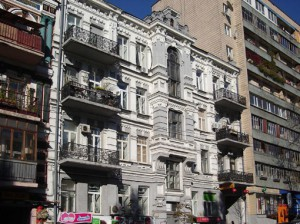 Дом на бульваре Тараса Шевченко, 46, - один из киевских адресов семьи Высоцких.